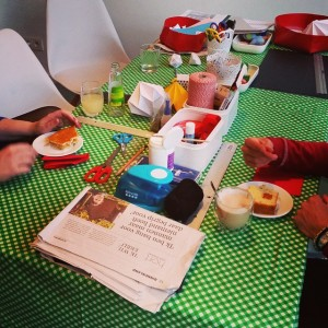 bur o bar kerstballenruil: taart en koffie