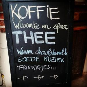 bur o bar koffiebar en event space Sint-Truiden - Krijt bord koffie, thee, warme en sfeer